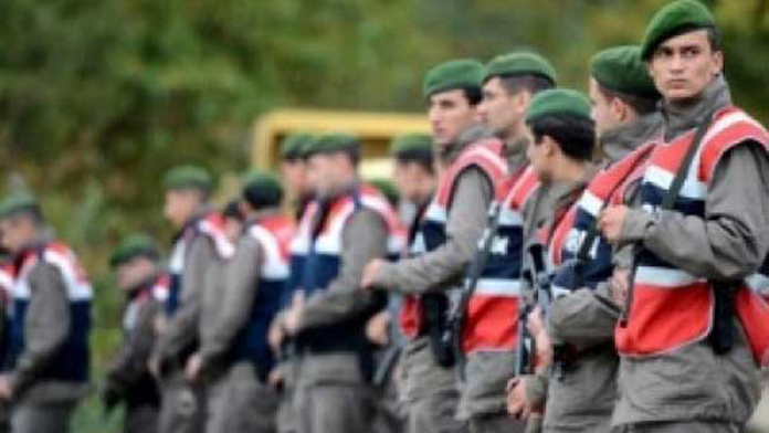 Jandarma, Vali'nin Emrine Girdi.