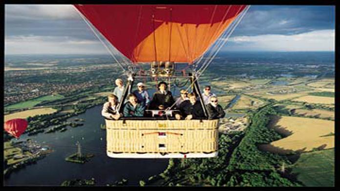 Balon Yere Çakıldı 16 Ölü..