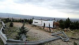 Arnavutluk'ta Kaza Meydana Geldi Onlarca Yaralı