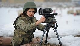 Kadınlar Askere Çağırılıyor...