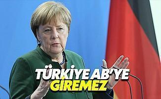 Merkel: Deniz Yücel'i Serbest Bırakın