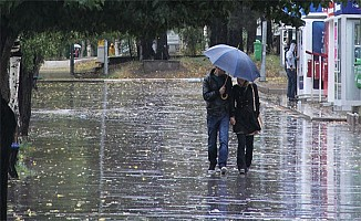 7 İl İçin Uyarı Geldi Meteoroloji Açıkladı Felaketi Yaşayan İstanbul'da Hava Nasıl Olacak?