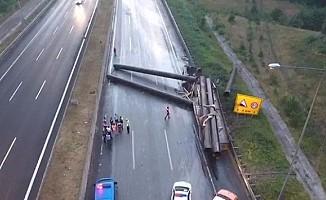 Bolu Dağı'nda TIR kazası! Yol ulaşıma kapandı