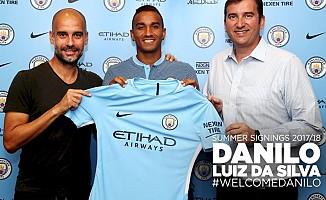 Brezilyalı sağ bek Danilo 5 yıllığına Manchester City'de