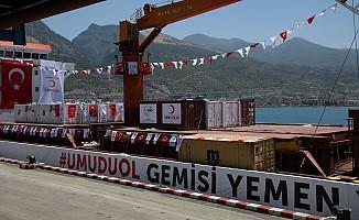 Kızılay'ın insani yardım gemisi Yemen'e doğru yola çıktı
