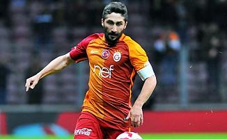 Sabri Sarıoğlu 2 yıllığına Göztepe'de