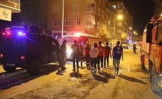 Diyarbakır'da apartman çöktü! Can kaybı yok.
