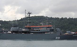 İstanbul Boğazından Rus Savaş Gemisi Geçti