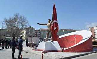 Şehit Ömer Halisdemir'in heykeli kaldırıldı