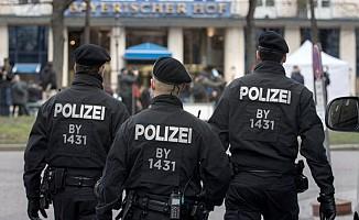 Almanya Burhan Bayar'ı Yakalamak İçin Çok Sayıda Polis Görevlendirdi