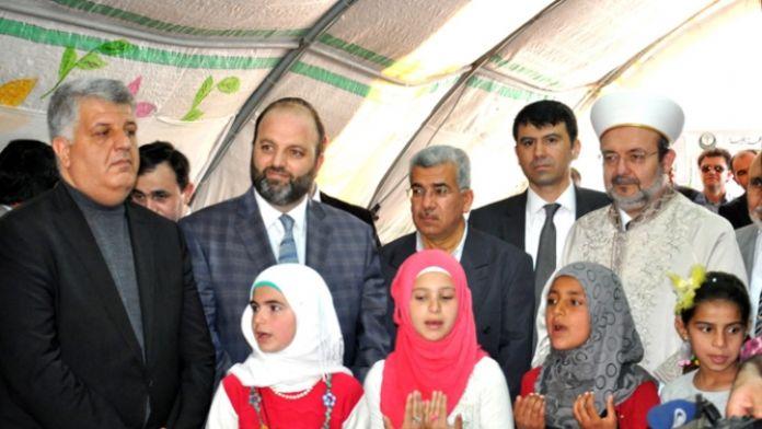 Diyanet İşleri Başkanı mültecilerle bir araya geldi