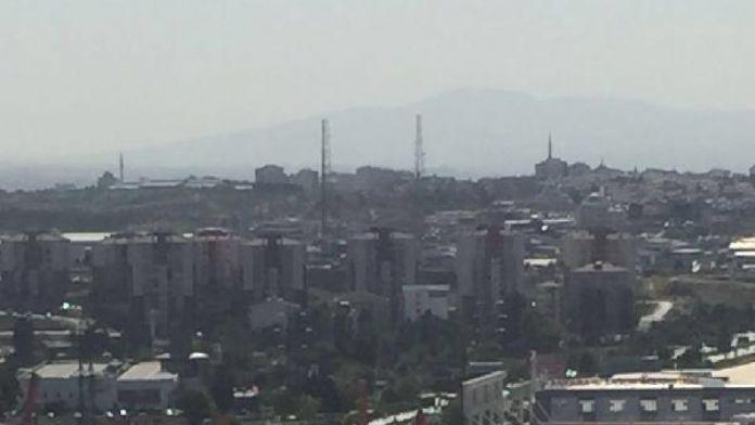 Ankara'da AVM'nin çatısı çöktü; 3 kişi yaralandı (1)