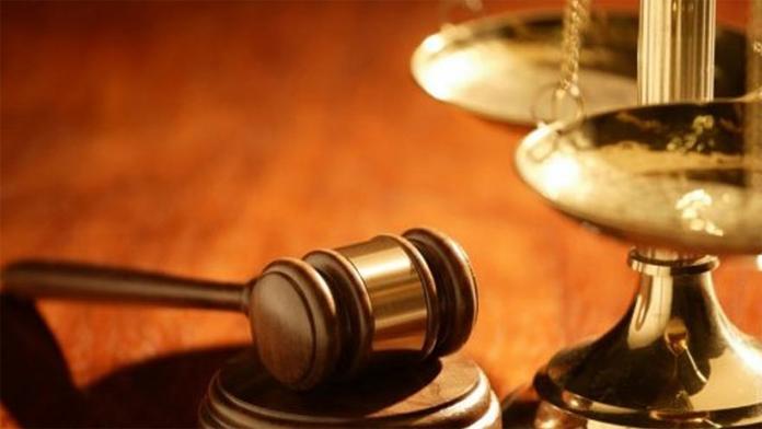 Kadın Hakim'e Duruşmada Gözaltı