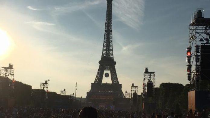 Paris'teki Fan Zone alanı muhteşem konser ile açıldı