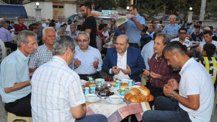 Akşehir Karabulut Mahallesi'nde İftar Coşkusu Yaşandı