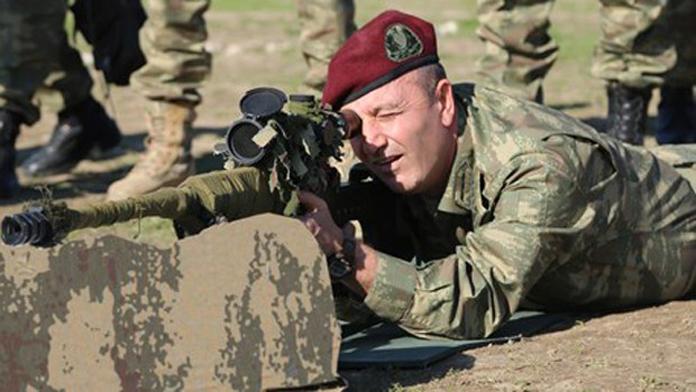 Özel Kuvvetler Komutanı'nı Kaçırmaya Teşebbüs Eden Darbeci Tuğgeneral Vurularak Öldürüldü.